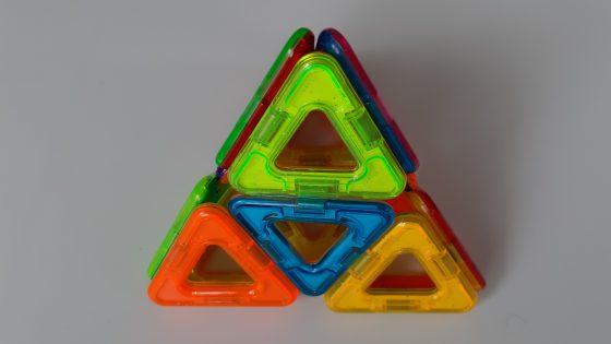 משחק בלוקי מגנטים - משלוש בתלת מימד